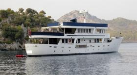 Motor Yacht La Sultane for charter