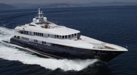 Motor Yacht O ceanos for charter