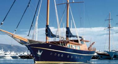 Motor Sailer yacht Blue Dream for charter