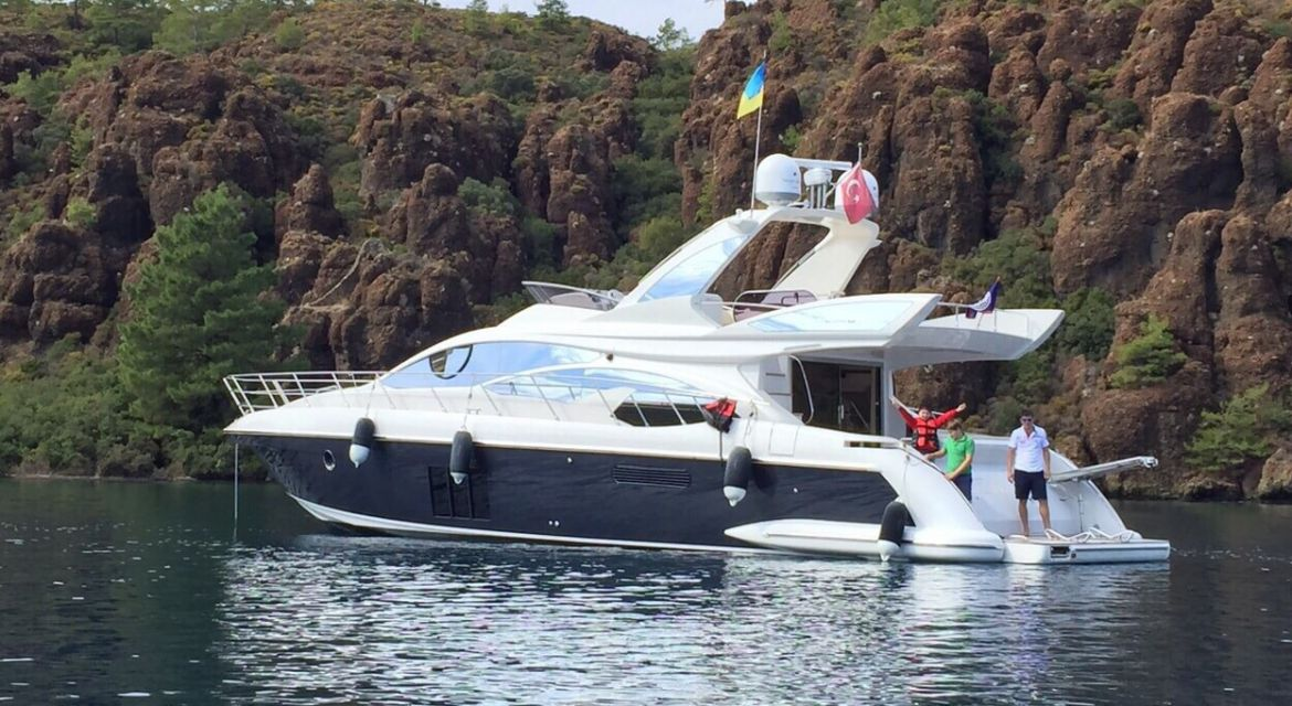 Yacht Azimut 60 Skyline for sale - by yachtingalliance.com