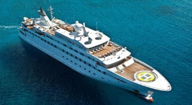Motor Yacht yacht Lauren L for charter