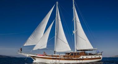 Motor Sailer yacht Erato for charter