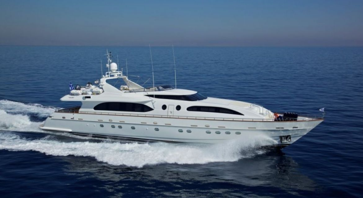 yacht Helios for charter